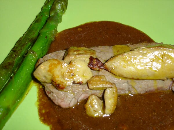 TOURNEDOS ROSSINI SAUCE MADERE